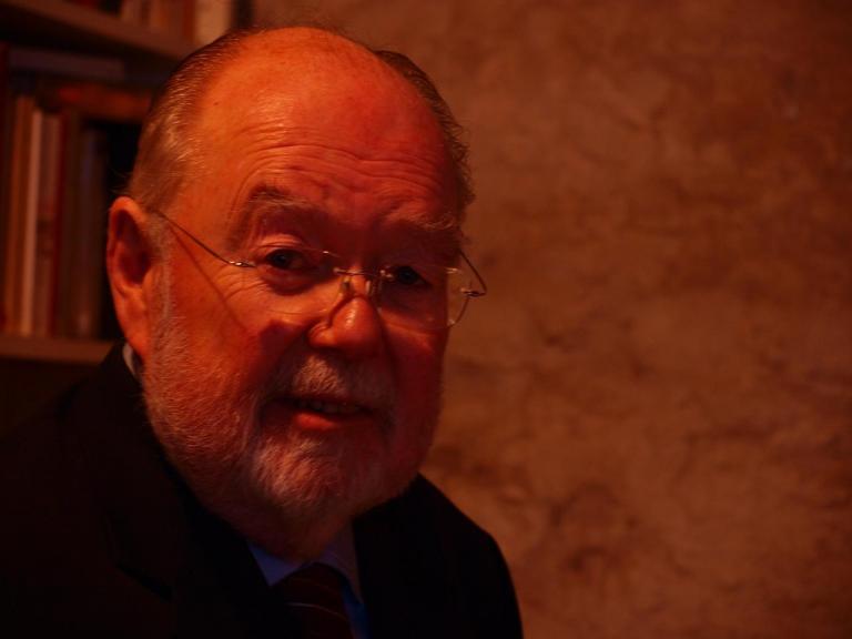 Mr Roger Dickinson-Brown